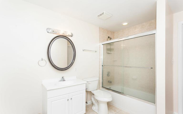 washingtonville1104 m lowlev bath