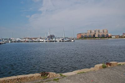13776_boston2361_pier_harbor2.jpg