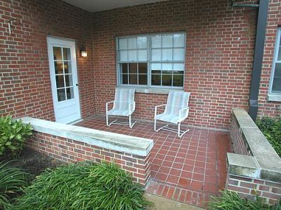 14255_greenway3601u210_patio2.jpg