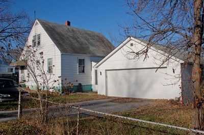 15380_burnham1700_rear_garage.jpg
